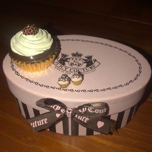 Adorable juicy couture cupcake stud earrings!